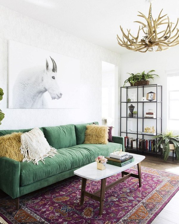 Decorating-With-Wall-Art