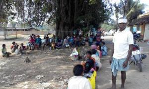 Villagers waiting to file the FIR on 27.11.14-2