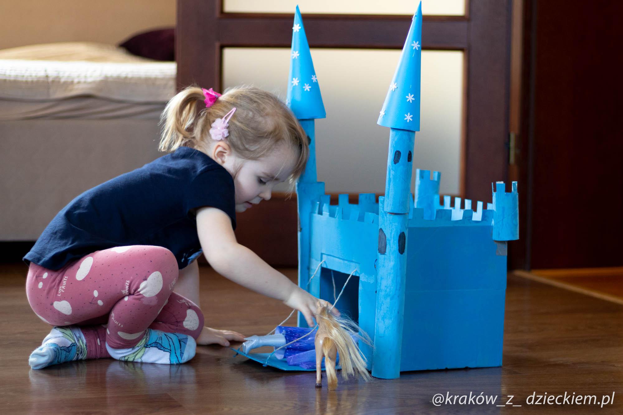 zamek Elsy DIY