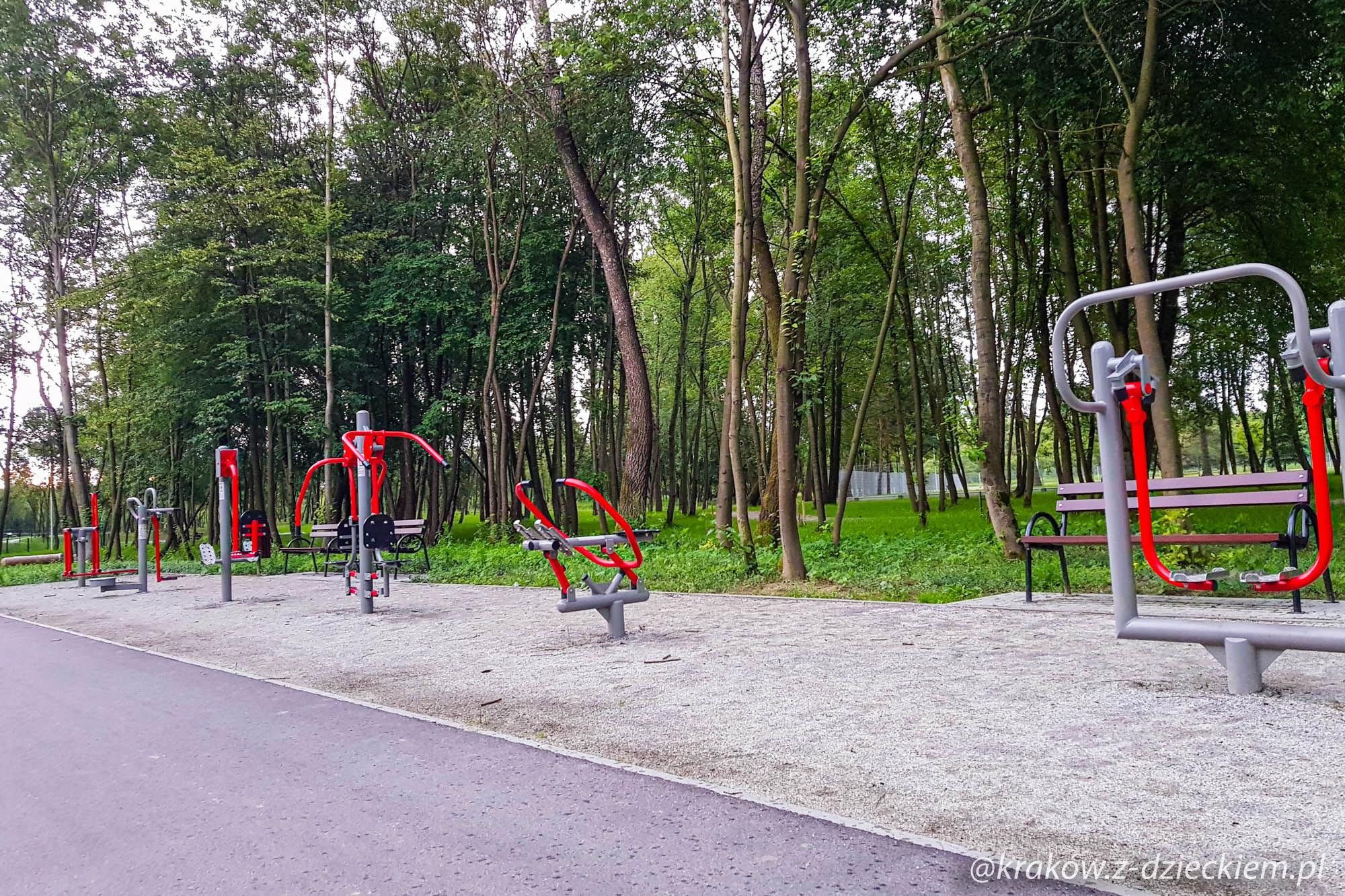 siłownia, park miejski w Dobczycach