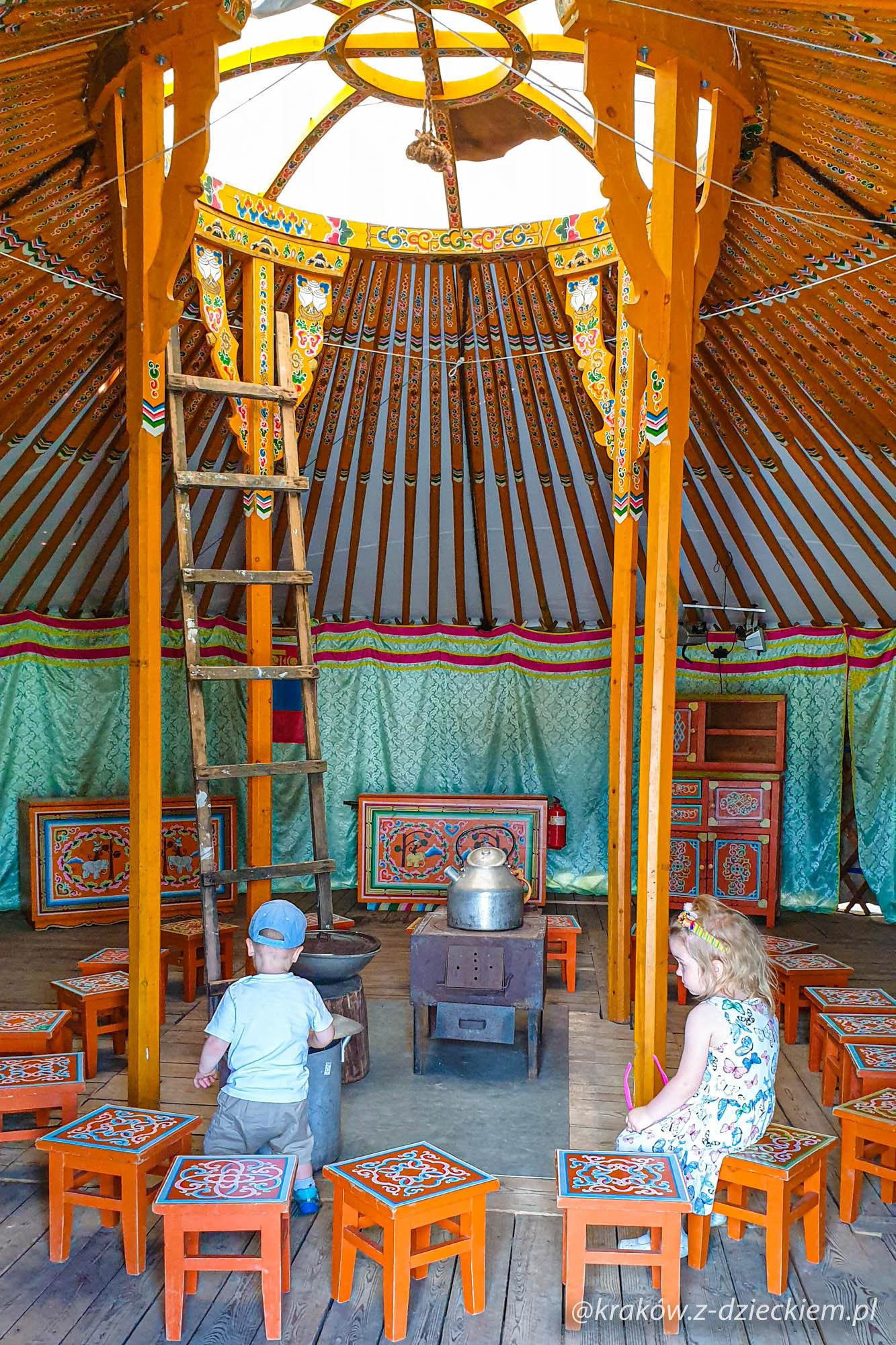 Mongolska jurta, wioski świata