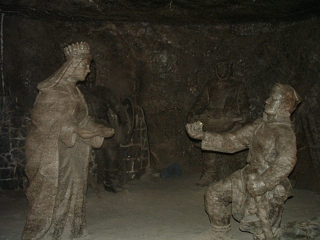 Wieliczka Salt Mine: salt statues