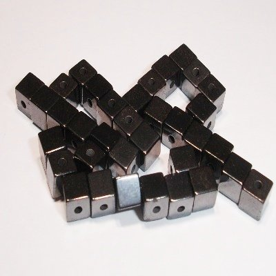 magneetkraal hematite vierkant 4 x 4 mm