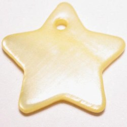 parelmoer hanger ster geel 18 mm