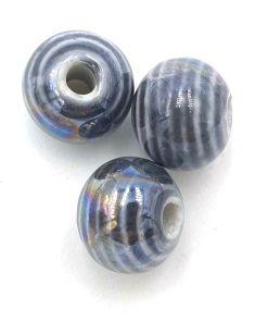 Keramiek kralen grijs gestreept 12mm met glans