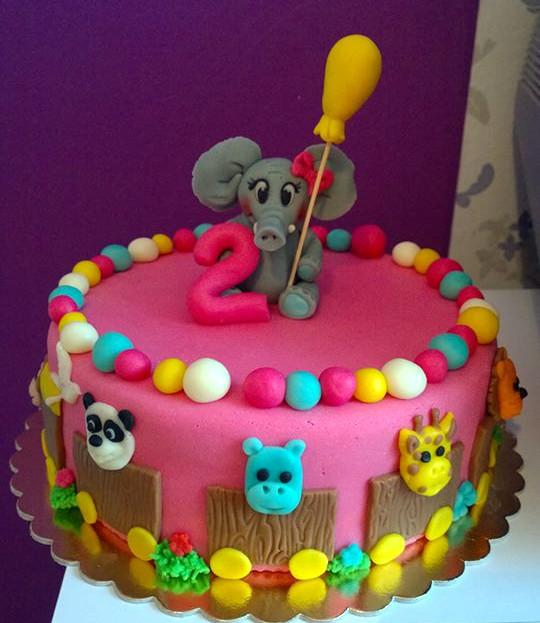 Barevný dort pro děti se slůnětem