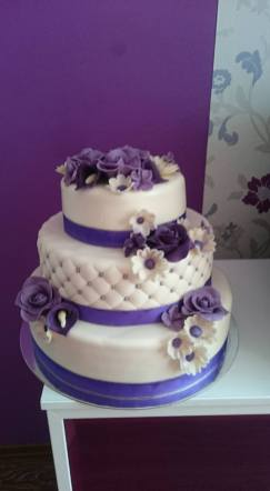Svatební dort s květy