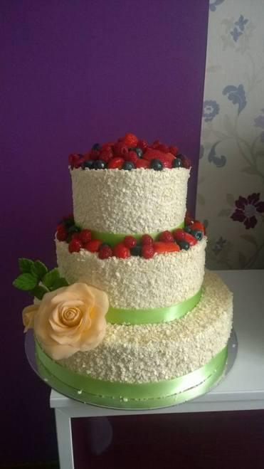 Svatební dort s limetkovou stuhou