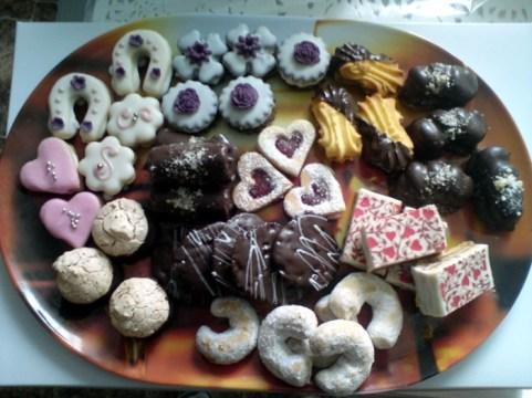 Svatební cukroví se stylovými srdíčky