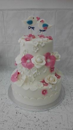 Svatební s ptáčky a květy