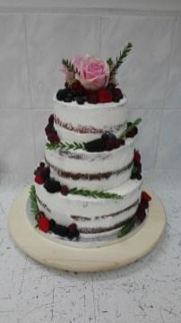 Svatební s ovocem a živými květy