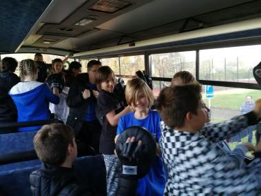 krav-maga-bruxelles-cours-dans-bus-16