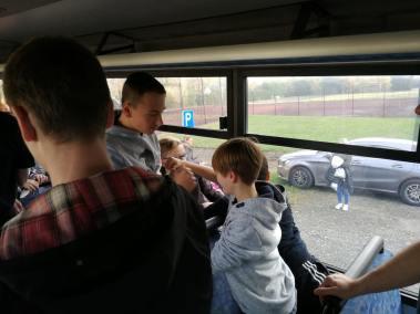 krav-maga-bruxelles-cours-dans-bus-19