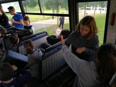 krav-maga-bruxelles-cours-dans-bus-25