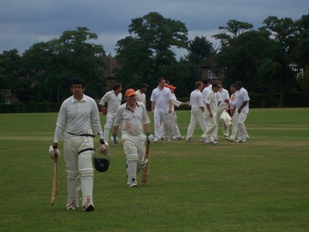 Stars and gripes: Warwick Castle bowl King's Road out for 40 as Yank destroys middle order