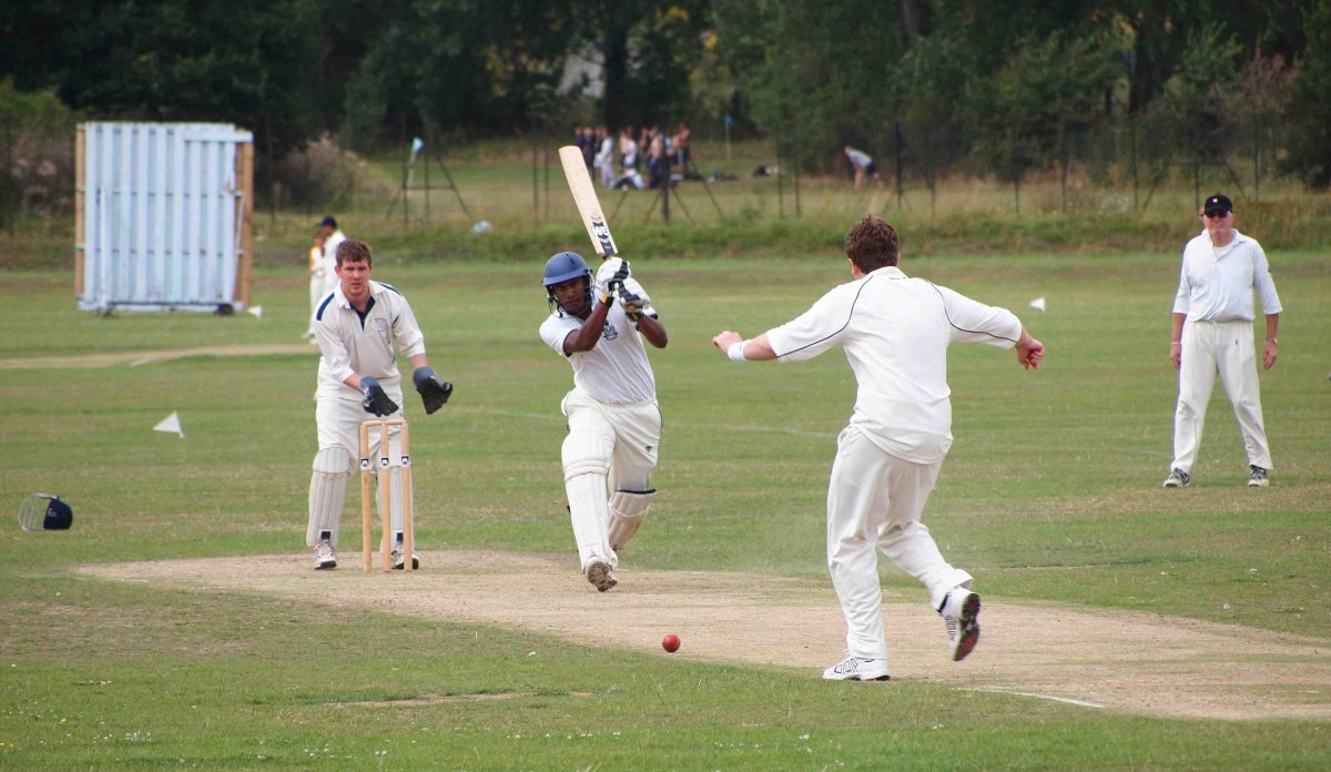 King's Road belt 'em in Eltham: Gilo, Glover and Sham in the runs against Mottingham
