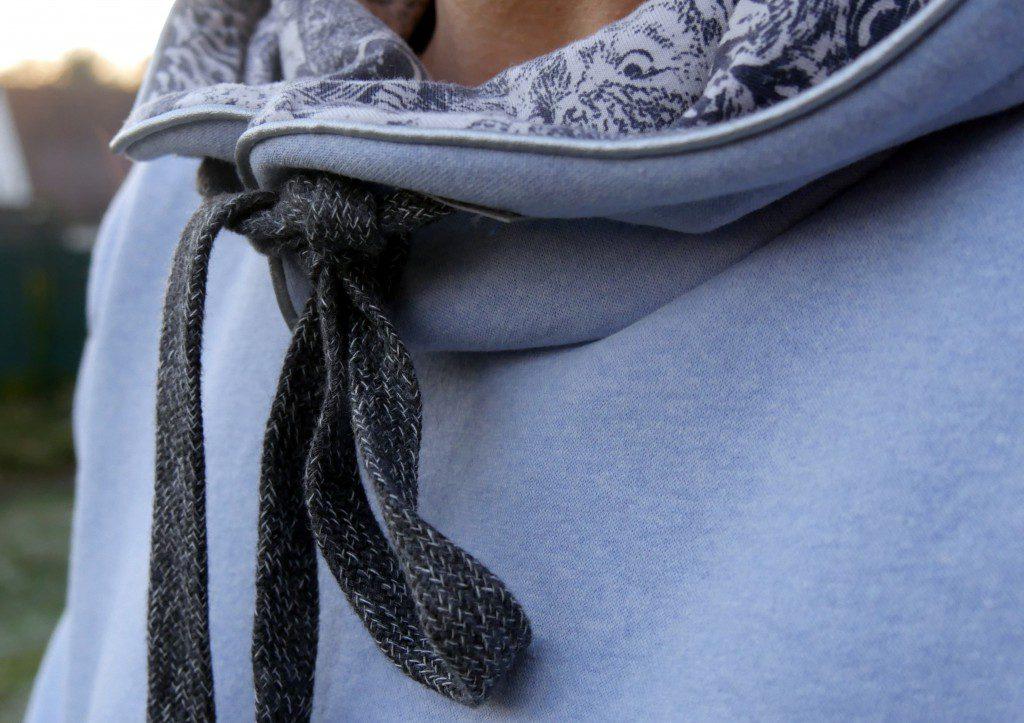 Hoodie vonNipNaps aus Wintersweatshirtstoff mit Kängurutasche und Jersey mit Eulen