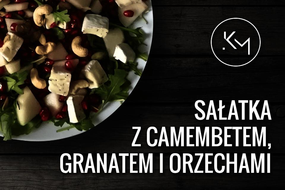 Sałatka z serem camembert, granatem i orzechami