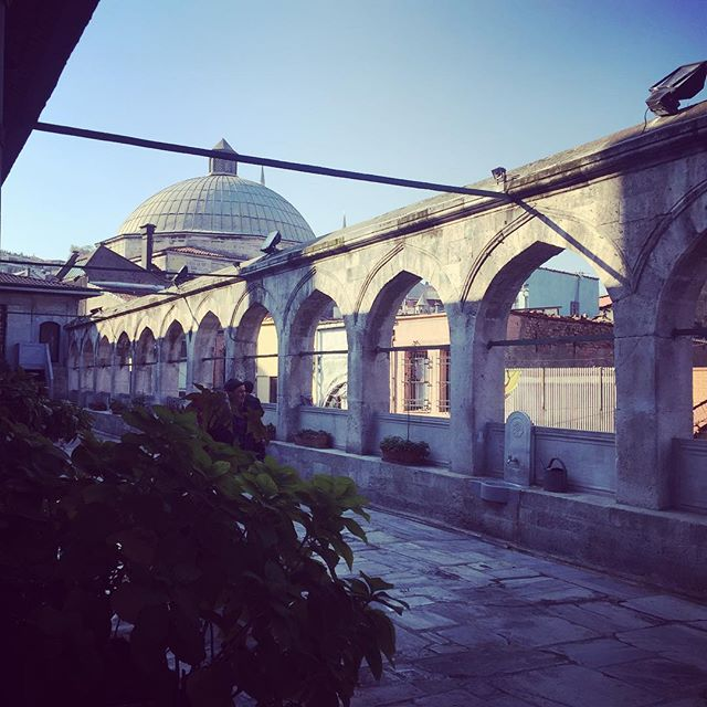The hidden mosque by the bridge is beautiful #istanbul #mosque