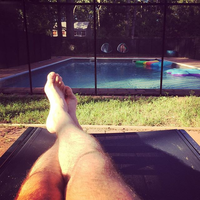 So nice and calm out here @norfolkmanor #pool #easthamptons #leavingflatbush