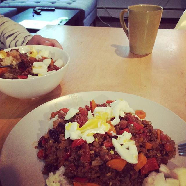 We skipped breakfast and made Japanese dry curry instead #fbckitchen #drycurry #japanese