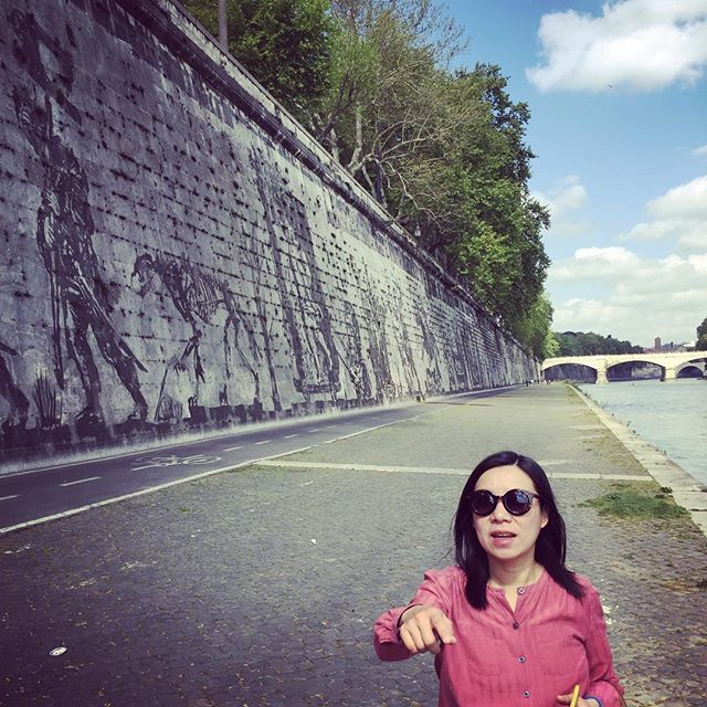 A kilometer long mural by William Kentridge along the Tiber left bank #Rome #artwork #williamkentridge