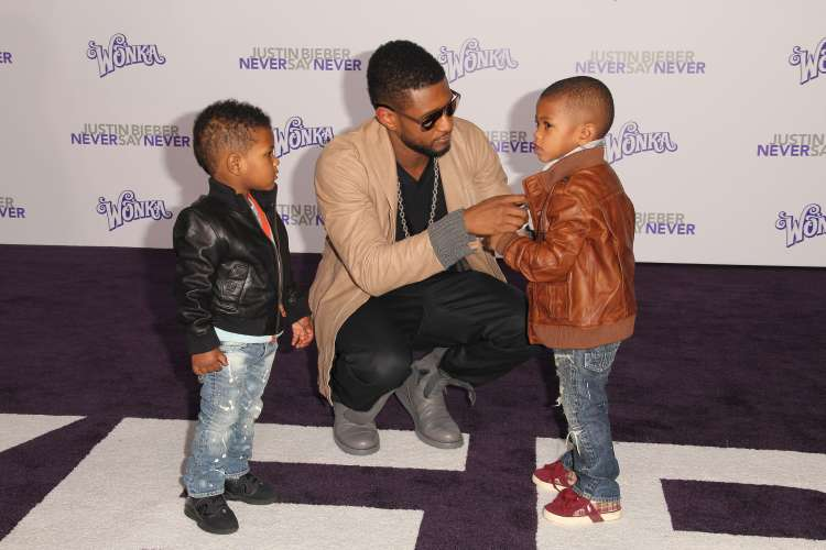 Usher  with his sons, Naviyd Ely Raymond and Usher Raymond