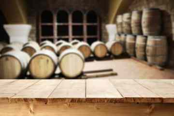 desk top place and barrels
