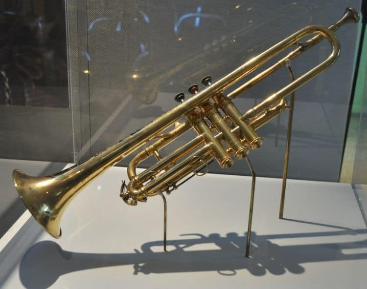 4. Selmer_Trumpet_given_by_King_George_V_to_Louis_Armstrong