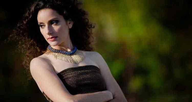 Lara Solnicki-Promoshot