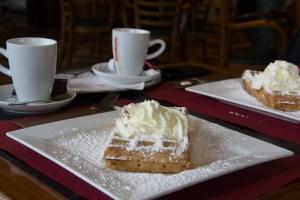 Belgische Waffeln und Café au Lait