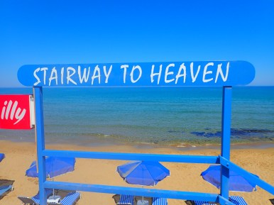 Appartementen-en-strand-op-Kreta