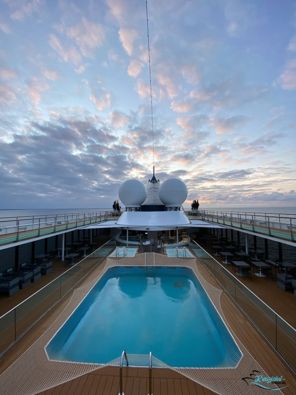 Reisebericht: Unterwegs mit dem World Voyager von nicko cruises