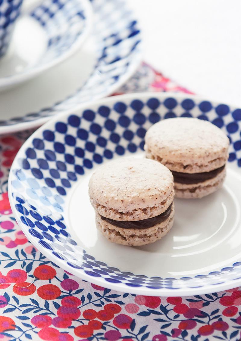 Hasselnötsmacarons med chokladtryffel