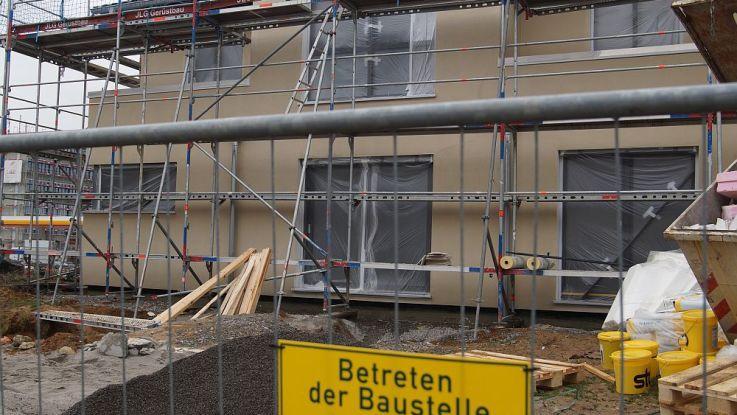 """Bei einem Hausbauprojekt kann viel schiefgehen. Teilweise sind es nur kleine Fehler, die einen """"Shitstorm"""" auslösen - mit erheblichen Folgen für das betroffene Hausbauunternehmen. (Foto: Markus Burgdorf)"""