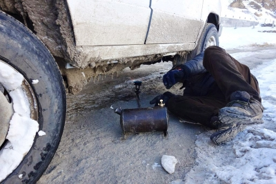 Stuck near Mane and heating the fuel line with a kero stove
