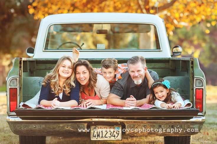 Family Picture Pose Ideas With 3 Children Capturing Joy