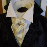 A Regency Cravat tied with a Barrel Knot.