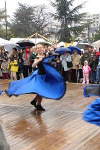 dancing-despite-the-rain_l