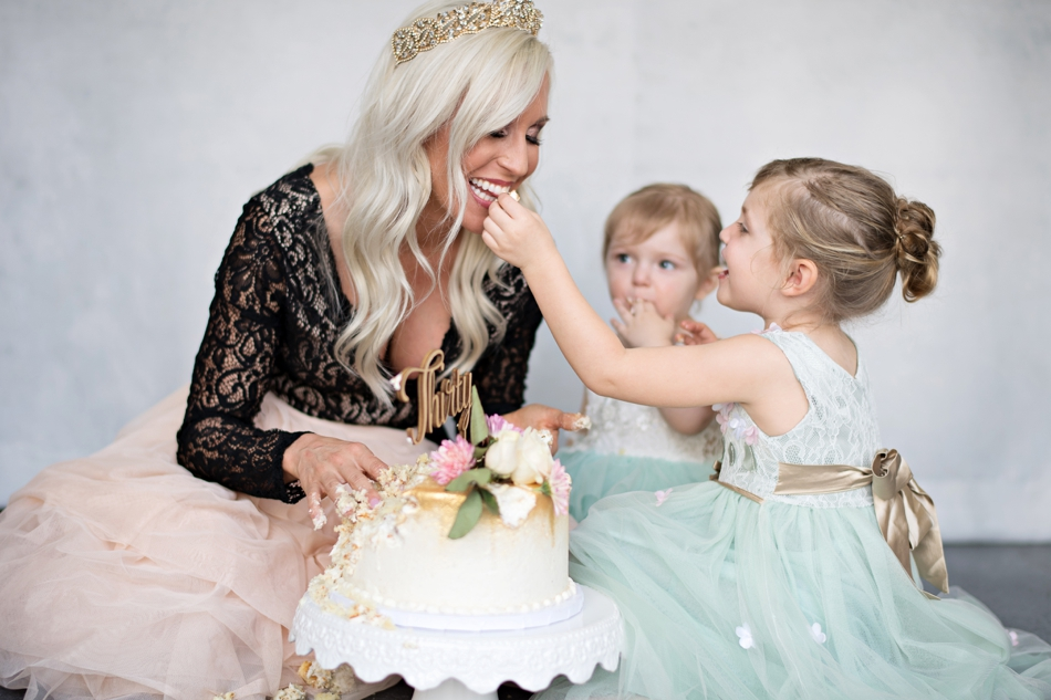 cake smash with daughters