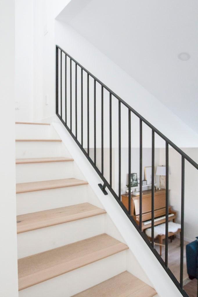 Modern Metal Railings A Sleek Staircase Design   Modern Metal Stair Spindles