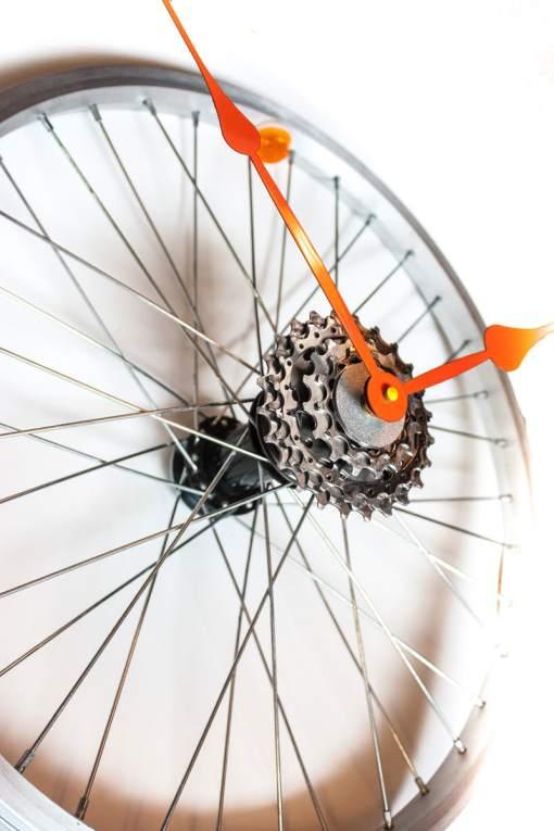 Repurposed-Bike-Wheel-Clock-Orange-and-Yellow-angle