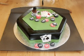 Beautiful cake done by Teresa's Cakes (www.teresascakes.ca)