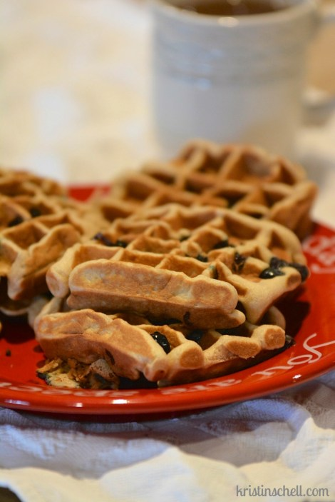 Healthy family favorite breakfast | Gluten and dairy free waffle recipe
