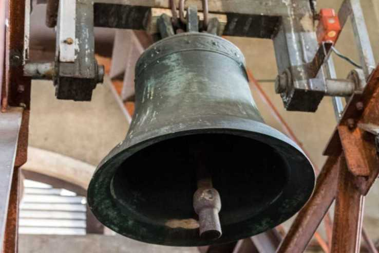 Mały dzwon na wieży kościoła św. Mikołaja w Krobi