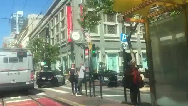 San Francisco police investigating multi-car crash on Market Street