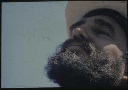 Kleurenfoto van Fidel Castro vóór restauratie