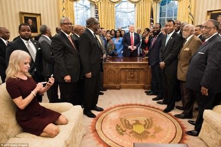 Waar blijven de foto's van de huisfotograaf van Trump?