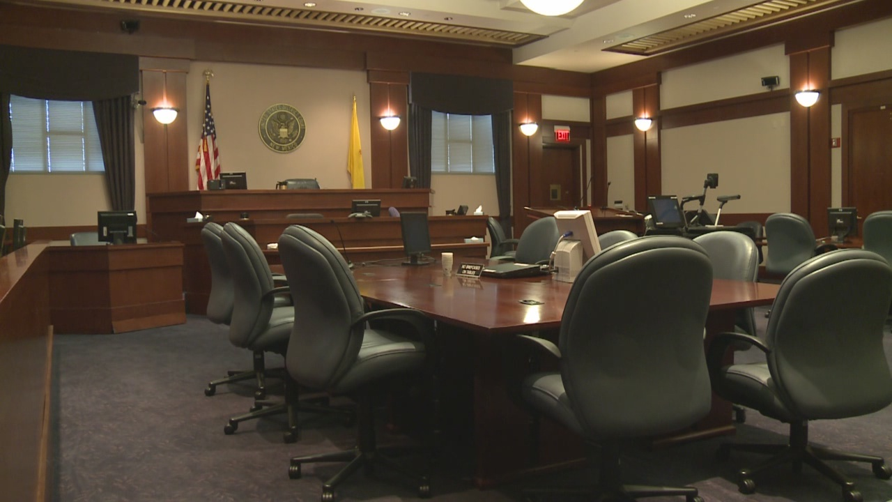 courtroom-stock_462145