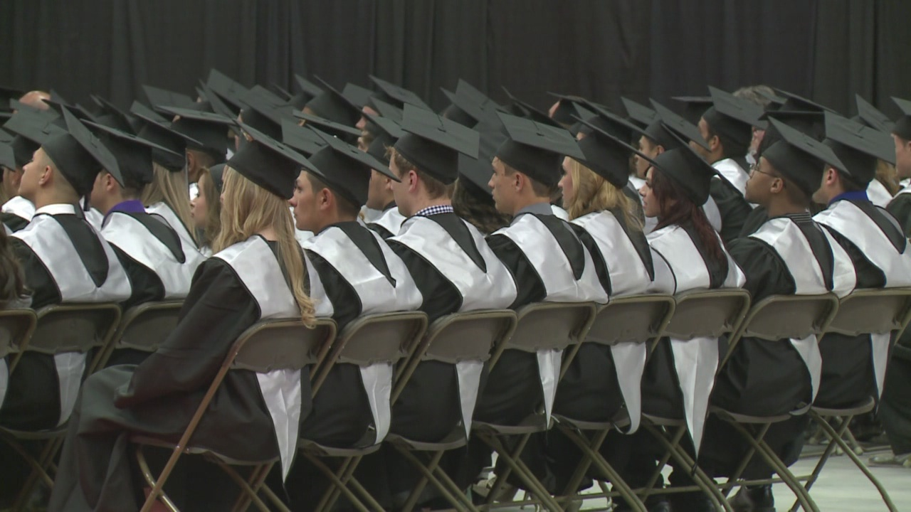 high-school-graduation-graduates-abq_508289